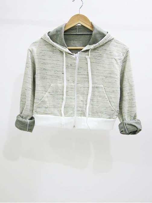 cropped-hoodie-beige